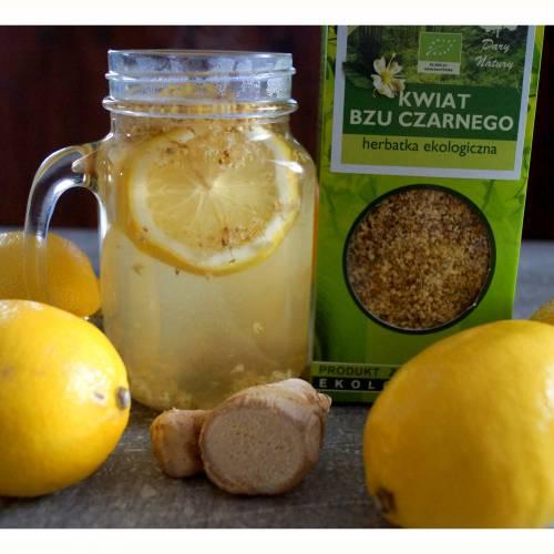Rozgrzewająca Herbatka z Kwiatu Bzu Czarnego idealna na Okres Przeziębieniowy